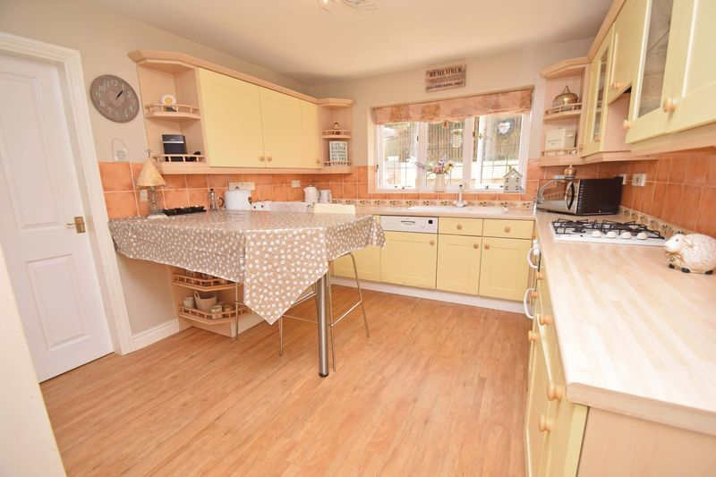 5 bed house for sale in Feckenham Road  - Property Image 3