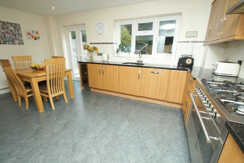 4 bed house for sale in Stuarts Green  - Property Image 3