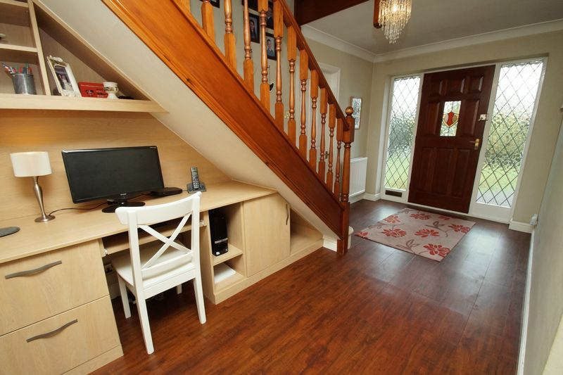 4 bed house for sale in Stuarts Green 5