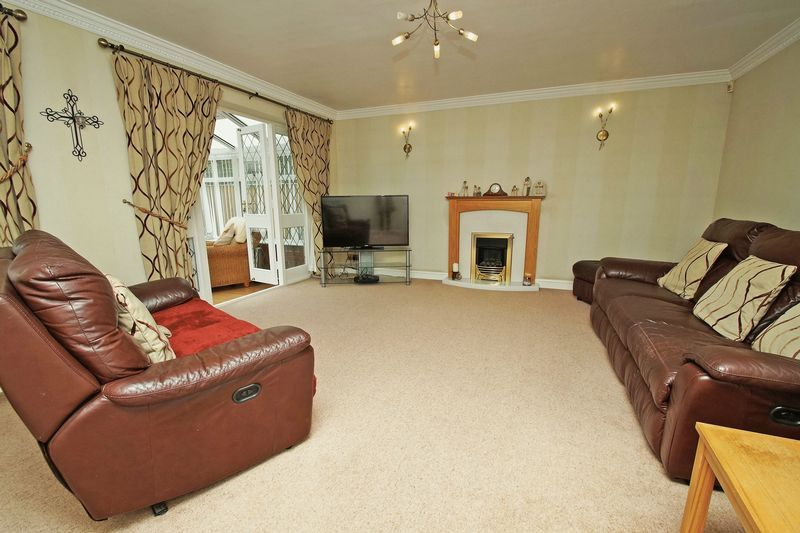 4 bed house for sale in Stuarts Green  - Property Image 6