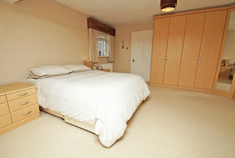 4 bed house for sale in Stuarts Green 10