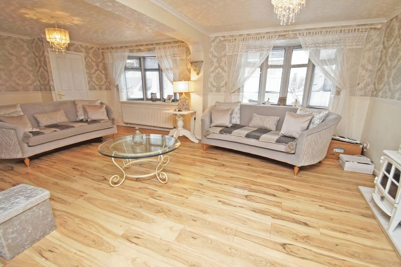 5 bed house for sale in Barbrook Drive 3
