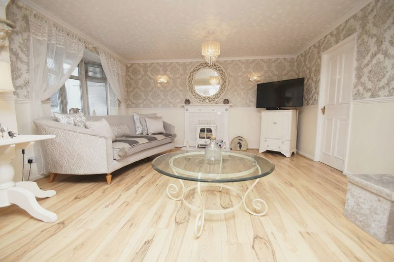 5 bed house for sale in Barbrook Drive 4