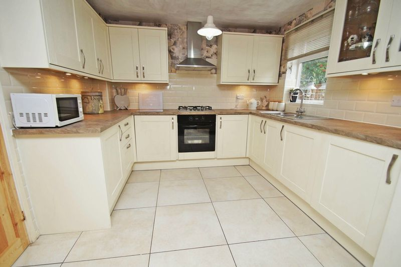5 bed house for sale in Barbrook Drive 6