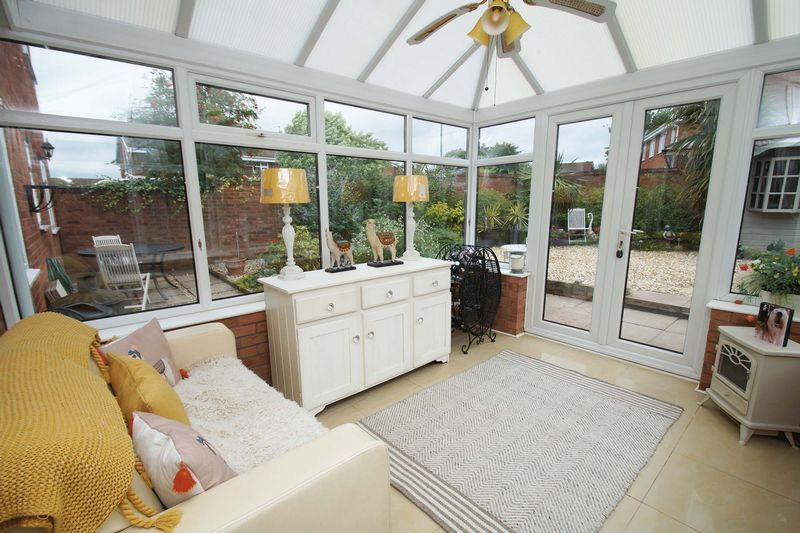 5 bed house for sale in Barbrook Drive 7
