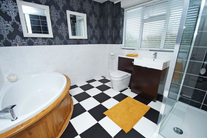 5 bed house for sale in Barbrook Drive 9