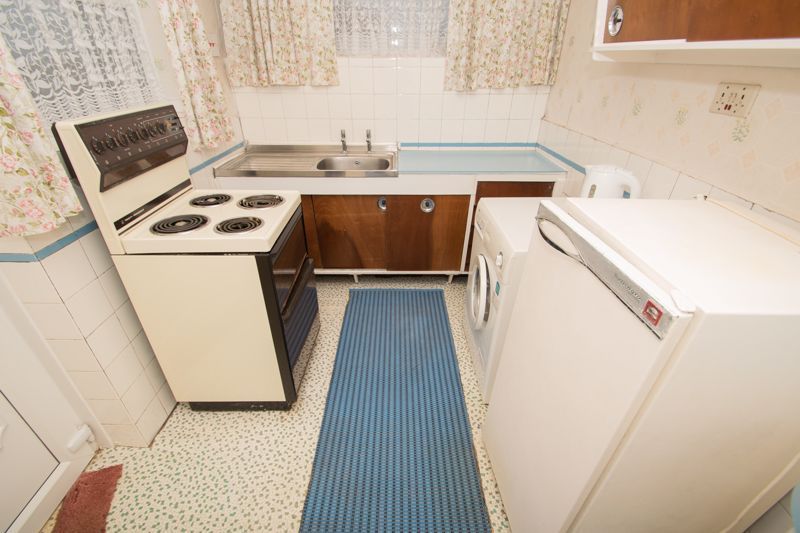 3 bed bungalow for sale in Lychgate Avenue  - Property Image 6