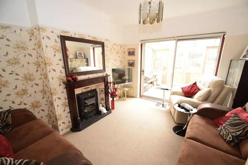 3 bed house for sale in Vicarage Crescent  - Property Image 3