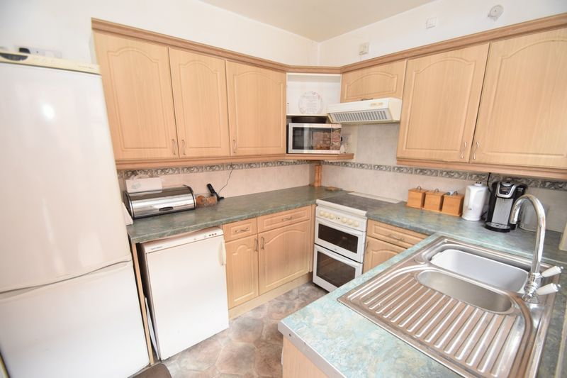 3 bed house for sale in Vicarage Crescent  - Property Image 4