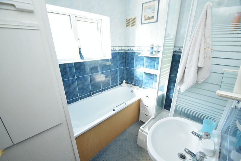 3 bed house for sale in Vicarage Crescent  - Property Image 10