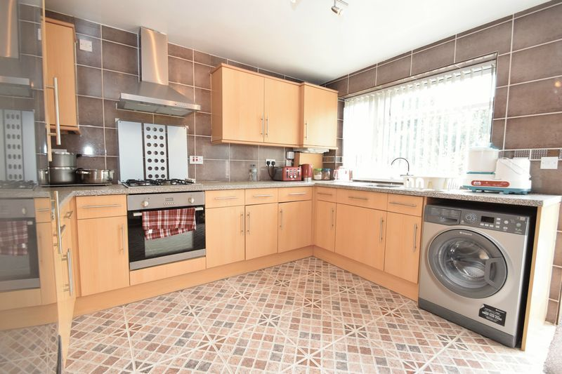 3 bed house for sale in Cemetery Road 2