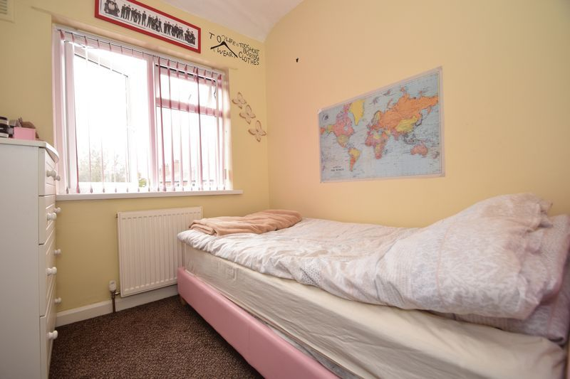 3 bed house for sale in Cemetery Road 11