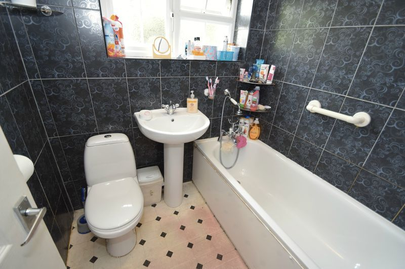 3 bed house for sale in Cemetery Road  - Property Image 12