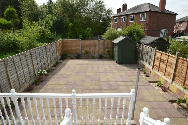 3 bed house for sale in Cemetery Road 14