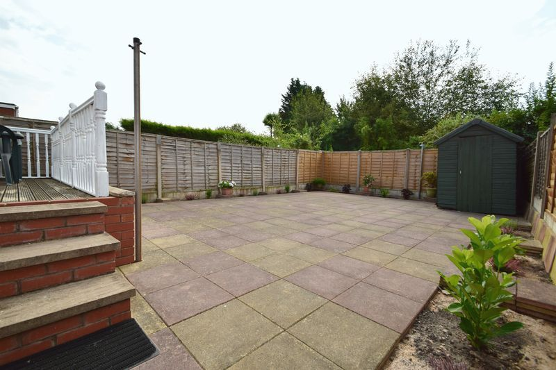 3 bed house for sale in Cemetery Road 15