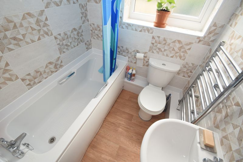 3 bed house for sale in Cemetery Road 7