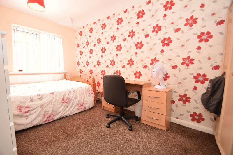 3 bed house for sale in Cemetery Road 8
