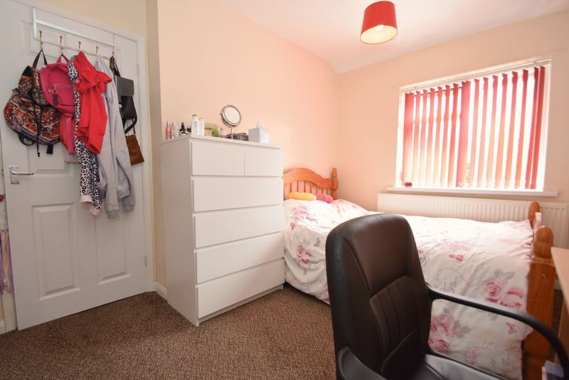 3 bed house for sale in Cemetery Road 9