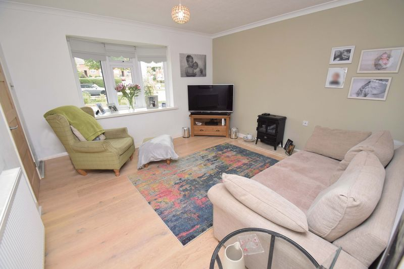 2 bed house for sale in Throckmorton Road  - Property Image 2