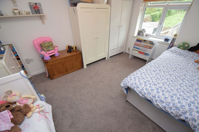 2 bed house for sale in Throckmorton Road 10