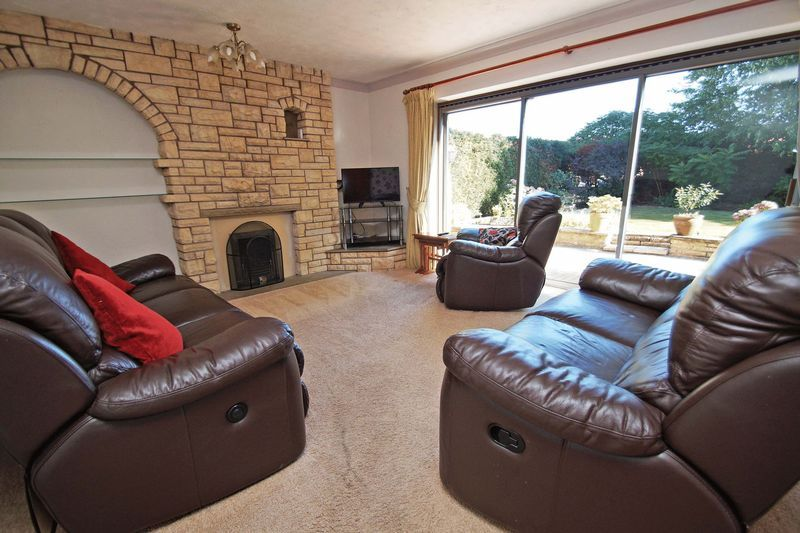 4 bed house for sale in Upland Grove 2