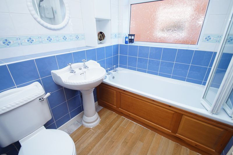 4 bed house for sale in Upland Grove 12
