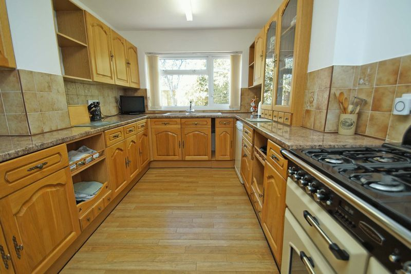 4 bed house for sale in Upland Grove  - Property Image 4