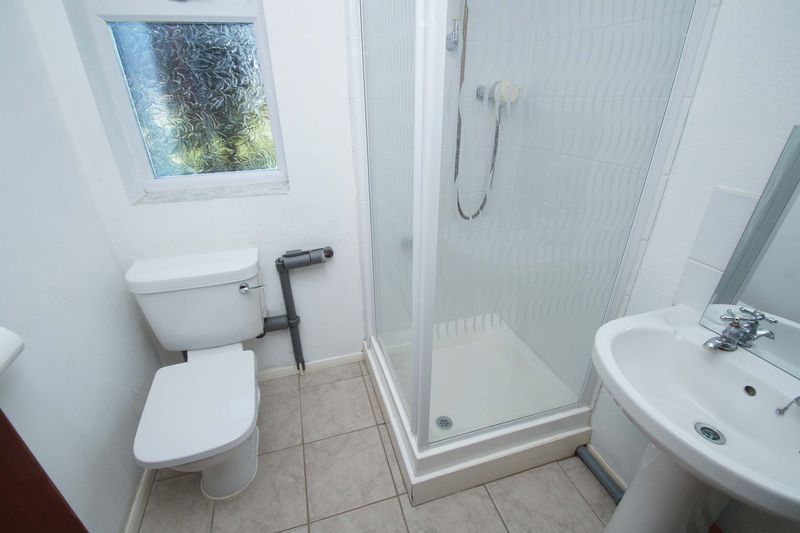 4 bed house for sale in Upland Grove  - Property Image 7