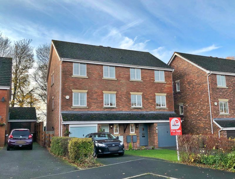 4 bed house for sale in Mallow Drive 1