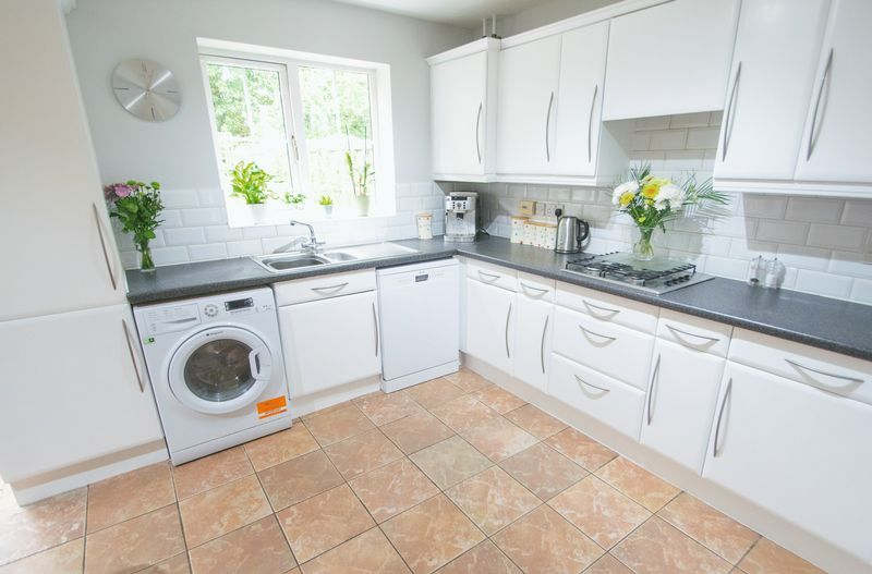 4 bed house for sale in Mallow Drive  - Property Image 4