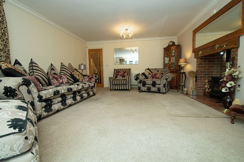 4 bed house for sale in Hither Green Lane  - Property Image 4