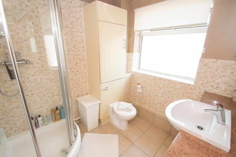 3 bed house for sale in Stamford Road 10