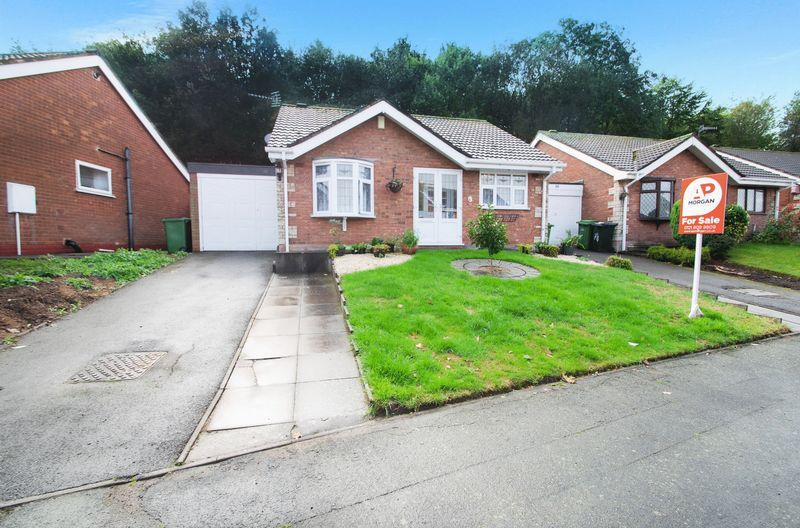 2 bed bungalow for sale in Apperley Way  - Property Image 1