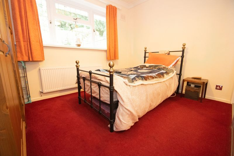 2 bed bungalow for sale in Apperley Way 6