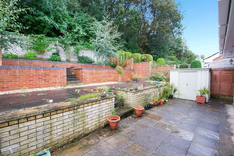 2 bed bungalow for sale in Apperley Way 10