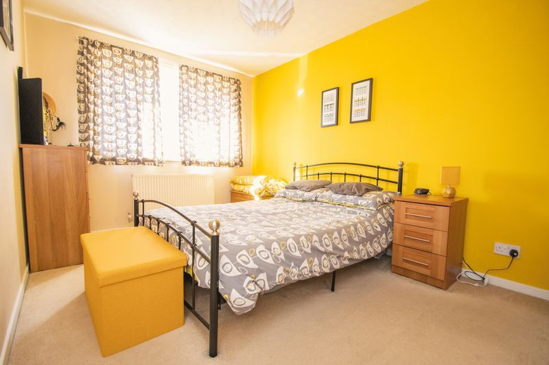 3 bed house for sale in County Park Avenue 11
