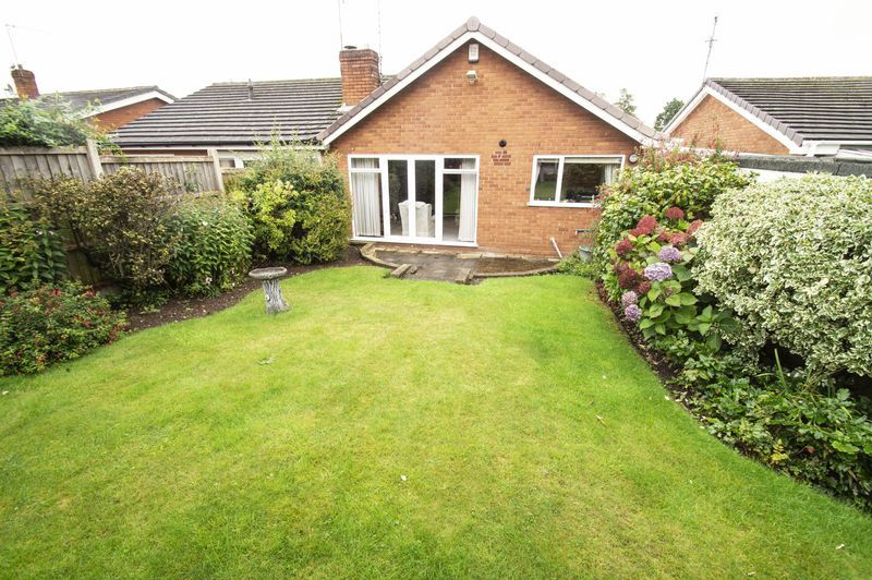 2 bed bungalow for sale in Quorn Crescent 9
