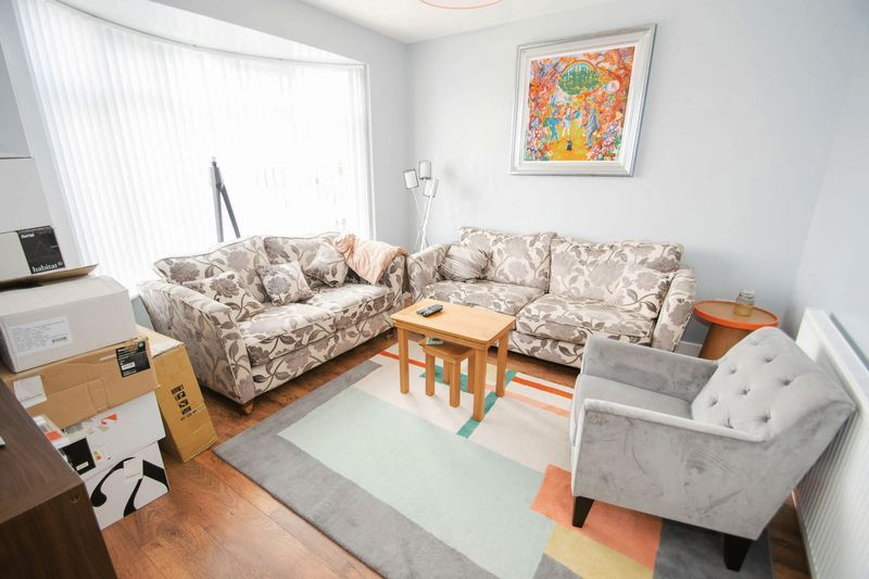 3 bed house for sale in Oldbury Road 2