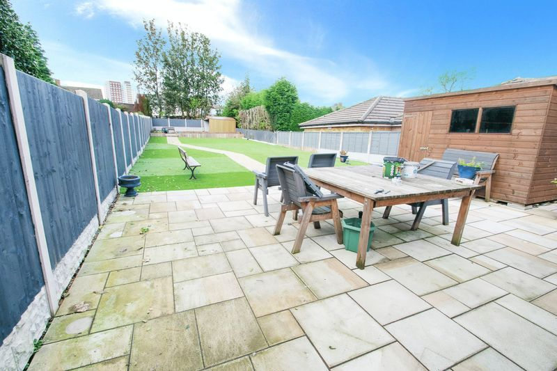 3 bed house for sale in Oldbury Road  - Property Image 13