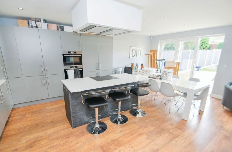 3 bed house for sale in Oldbury Road  - Property Image 3