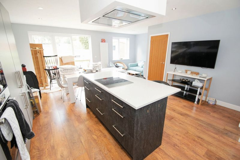 3 bed house for sale in Oldbury Road 4