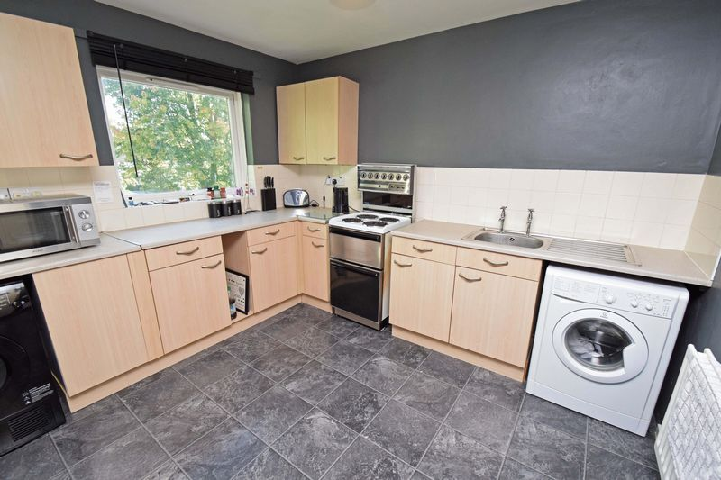 2 bed flat for sale in Lingen Close 4