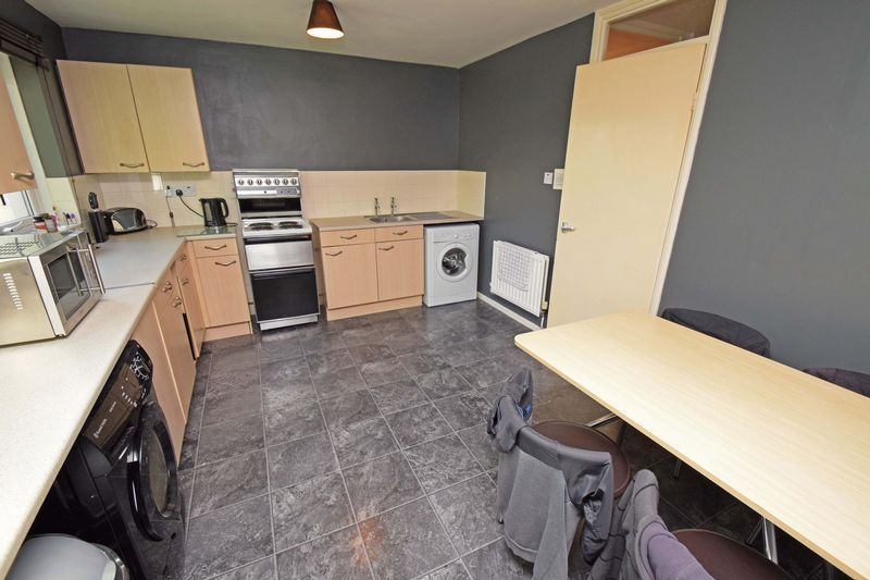 2 bed flat for sale in Lingen Close 6