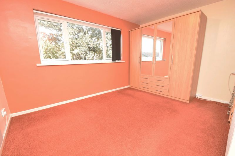 2 bed flat for sale in Lingen Close 8