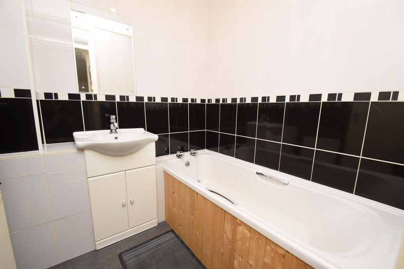 2 bed flat for sale in Lingen Close 9