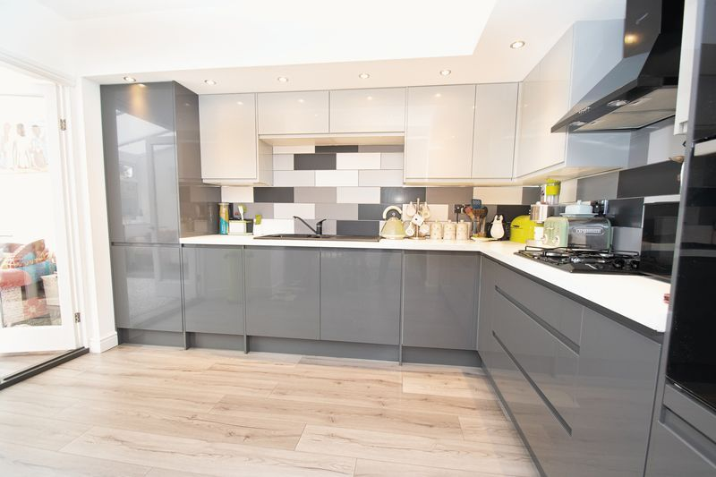 3 bed house for sale in Lyttleton Avenue 2