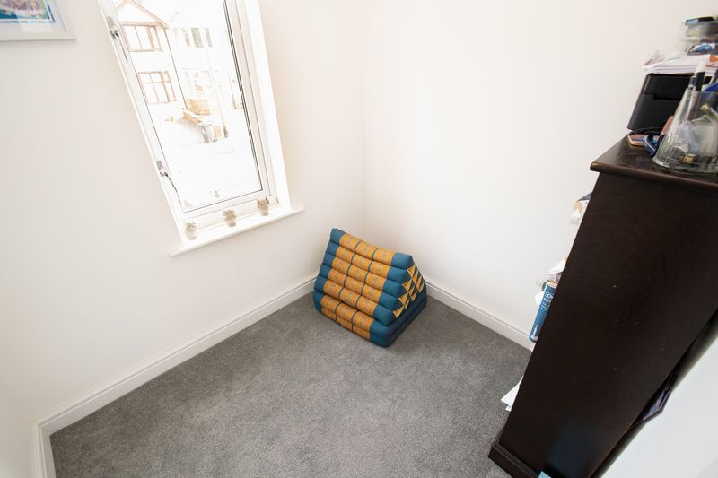 3 bed house for sale in Lyttleton Avenue 11