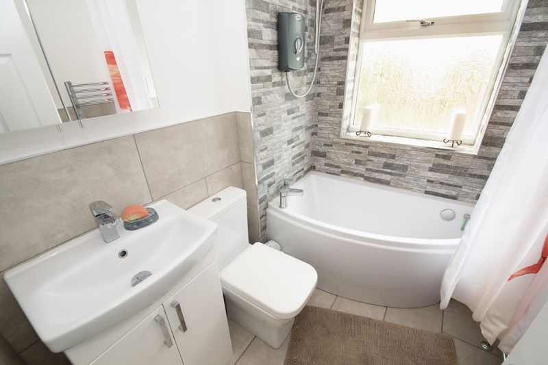 3 bed house for sale in Lyttleton Avenue 12