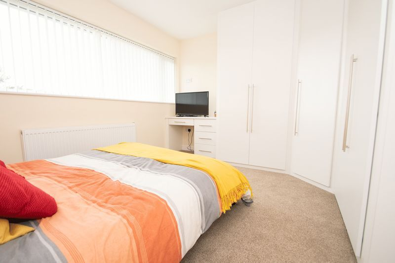 3 bed house for sale in Kent Road 11