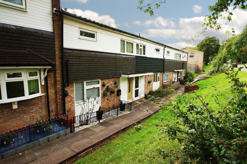 3 bed house for sale in Doverdale Close 1